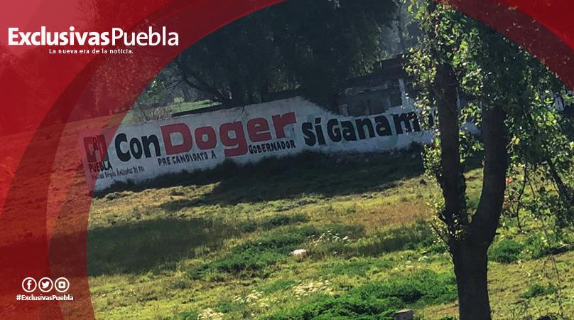 Puebla tapizada de propaganda política