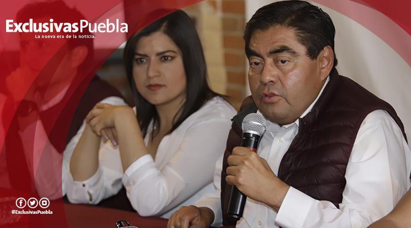 """""""No les tenemos miedo a esos cabrones"""": Miguel Barbosa"""