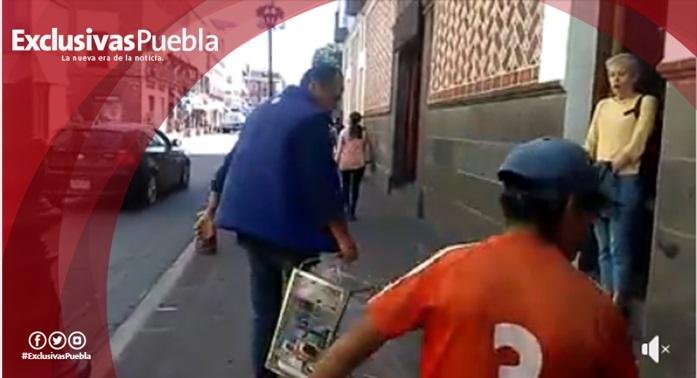 Inspector le quita productos a vendedor de gelatinas en Puebla