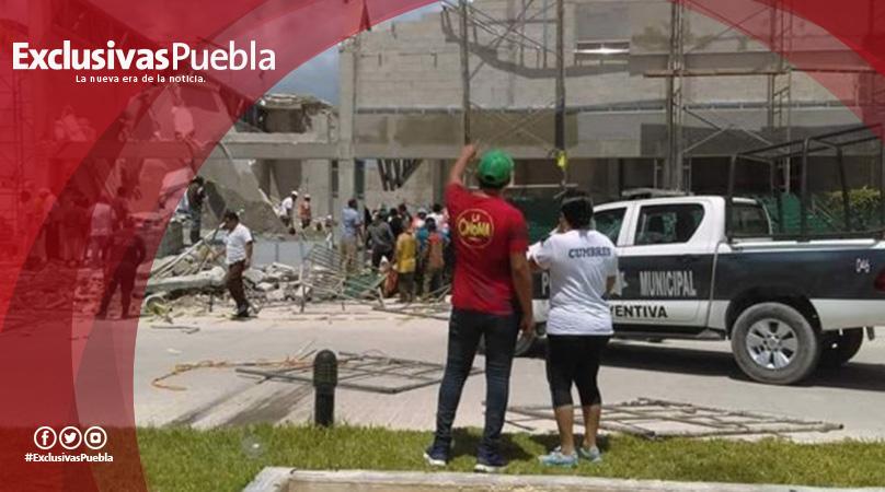 Se derrumba construcción en Puerto Morelos; reportan varios muertos